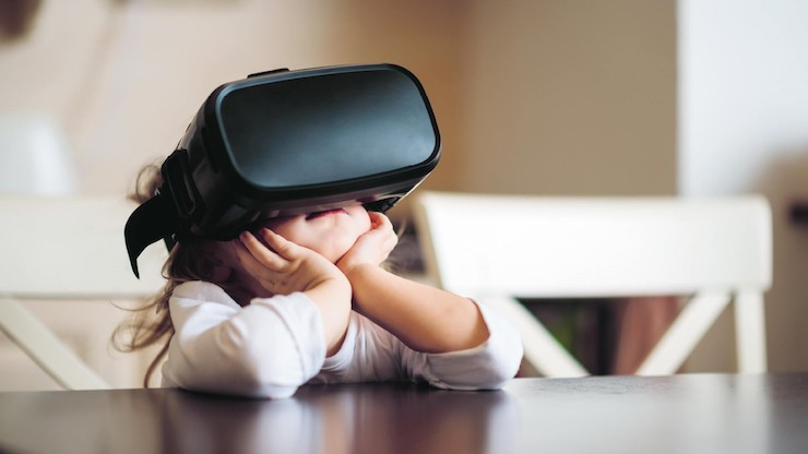 a child uses VR for education